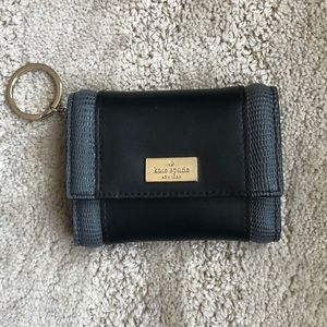 Kate spade wallet with key (zipper for change)
